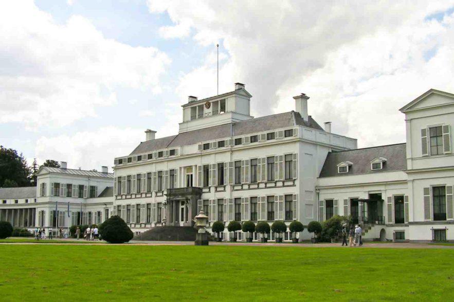 Tuin Paleis Soestdijk : Koninklijke eieren zoeken in koninklijke tuin groenvandaag