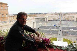 paul deckers en bloemen voor de paus