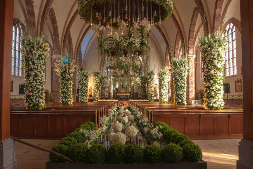 rozen festival in Lottum, expositie in de kerk