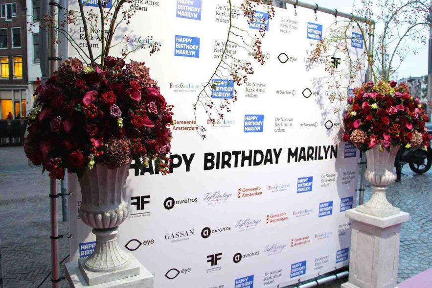 Marilyn Monroe 90 jaar, in de bloemen