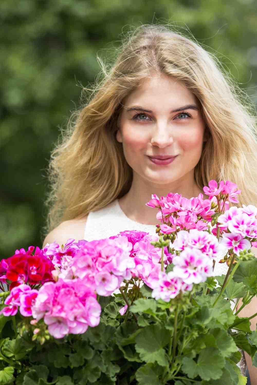 genieten van bloeiende planten