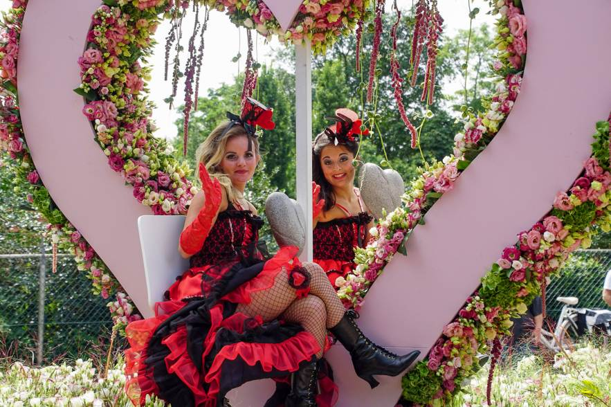 flower parade rijnsburg around the world